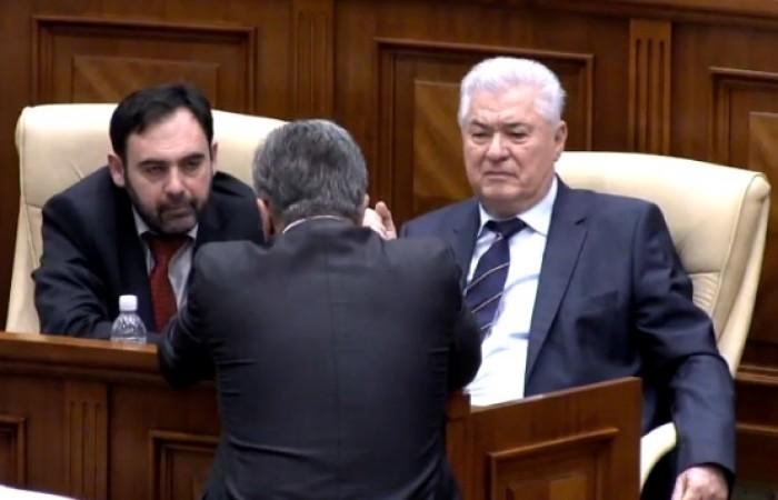 (foto) Vladimir Voronin a venit la Parlament