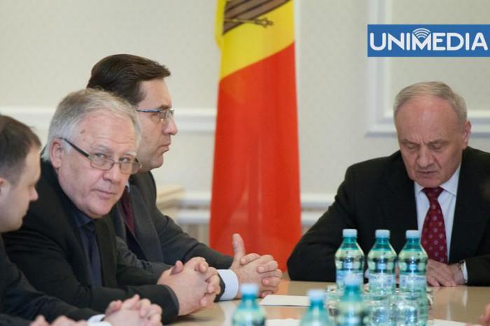 Fracțiunile parlamentare, convocate de președintele Timofti