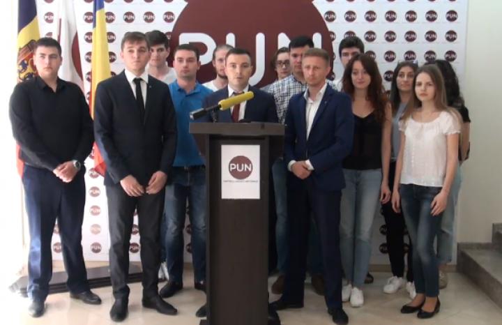 """(video) Apelul tinerilor PUN, către tinerii din municipiul Chișinău: """"Ieșiți la vot pe 3 iunie și susțineți-l pe Andrei Năstase"""""""