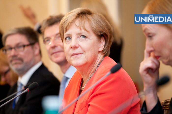 Merkel îl felicită pe Leancă cu învestirea în funcția de prim-ministru