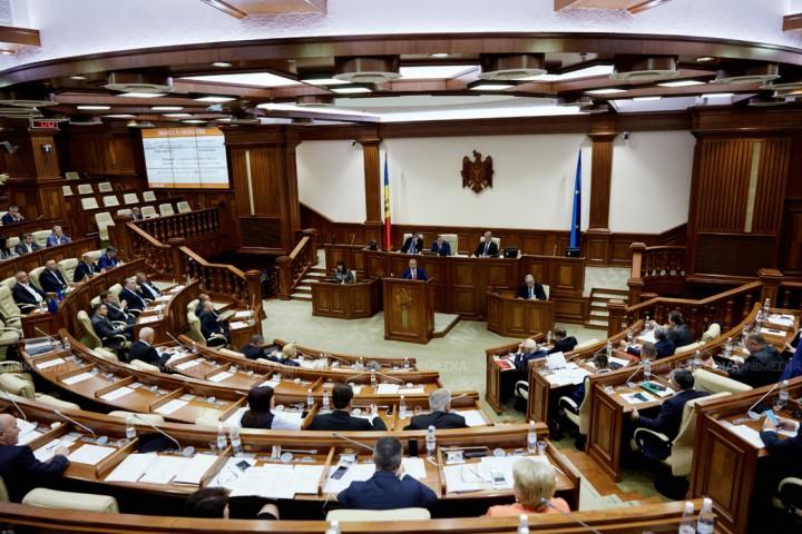 Mold-street: Motivul real pentru care legile bugetare au fost votate în grabă