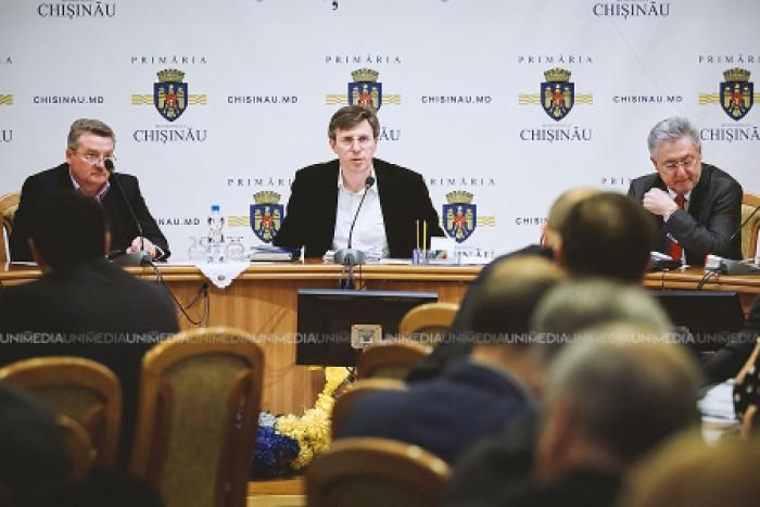 Primăria Chișinău a rămas fără primar și viceprimari. Ce se va întâmpla cu municipalitatea