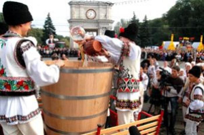 Propunere la Primăria Chișinău: Ziua Vinului să fie comasată cu Hramul Orașului