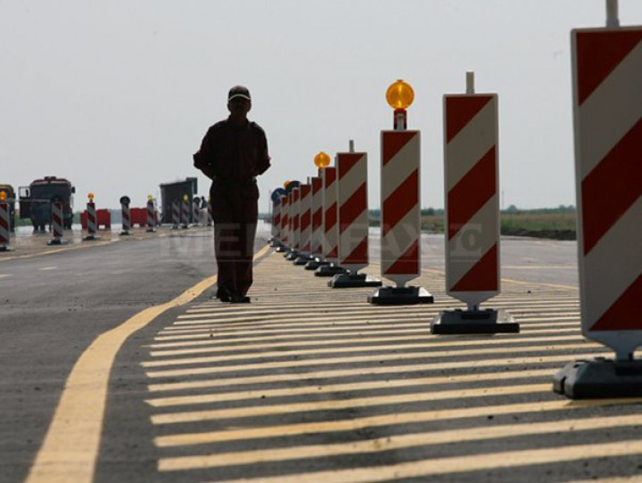România: Rovinieta pentru dube şi camioane se va scumpi cu cel puţin 85%. Cât vor plăti şoferii în 2018