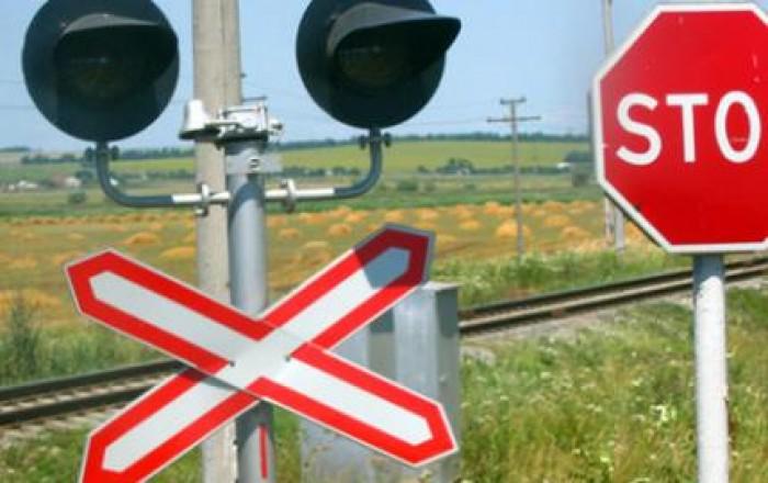 Sancțiuni mai aspre pentru șoferii care încalcă regulile de traversare a liniei de cale ferată
