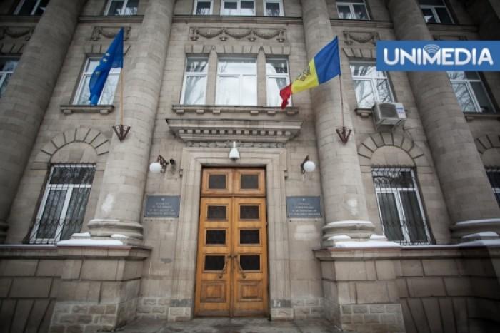 SIS investighează tentativele de corupere a deputaților din Parlament