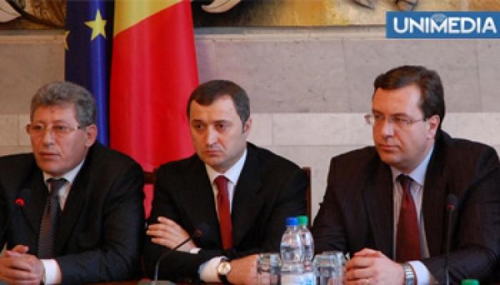 Sondaj IMAS: Încrederea în partidele democratice s-a prăbușit