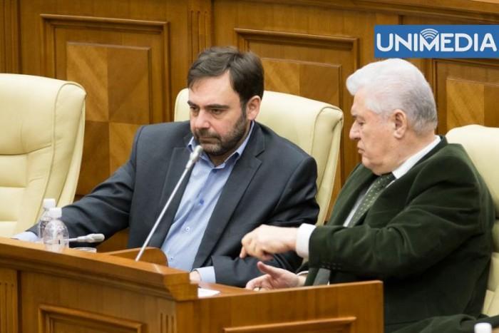 Tot ce spune Voronin despre plecarea lui Tkaciuk din Parlament