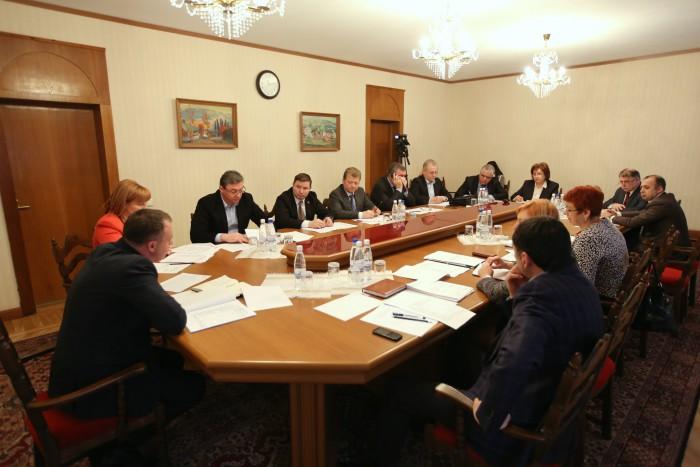 Vicespeakerii vor supraveghea activitatea comisiilor parlamentare