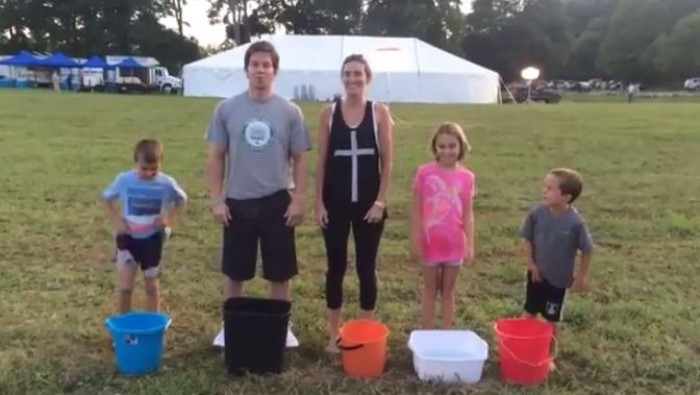 (video) Facebook: Cel mai drăguț filmuleț video din cadrul acțiunii ICE Water Bucket Challenge