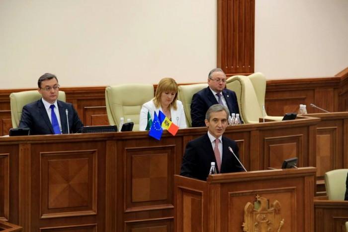 (video) Leancă în Parlament, către cetățeni: Să nu vă fie frică, vom reuși!
