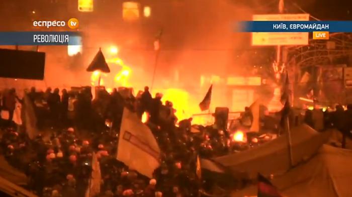 (video) LIVE: Pe străzile Kievului circulă mașini blindate