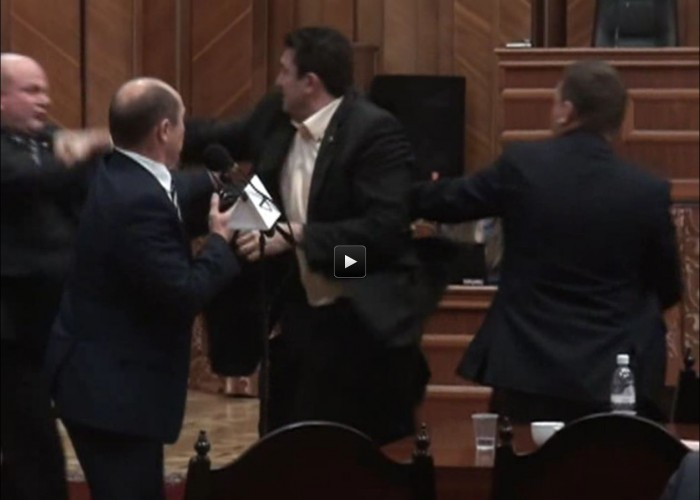 (video) Muntean l-a atacat pe Cimbriciuc