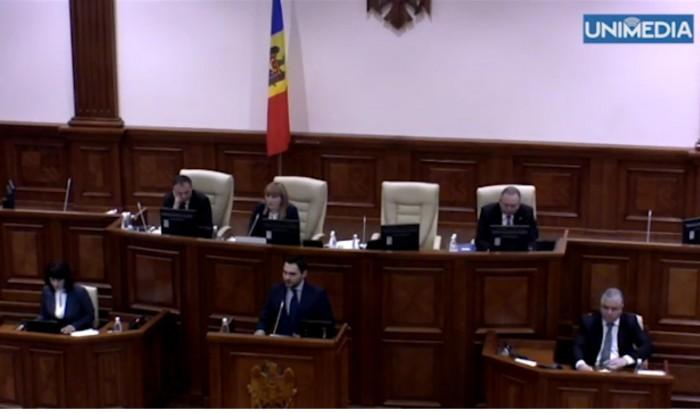 (video) Un nou schimb de replici în Parlament cu privire la limba oficială
