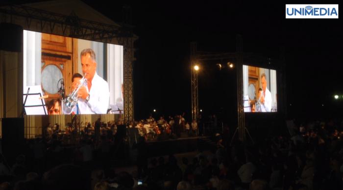 (video) Plahotniuc a cântat la trompetă în centrul Capitalei
