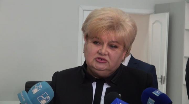 (video) Reghina Apostolova a depus actele pentru a fi înregistrată în calitate de candidat la funcția de primar al capitalei