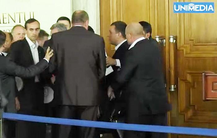 (video) Retrospectiva încăierărilor din Parlament