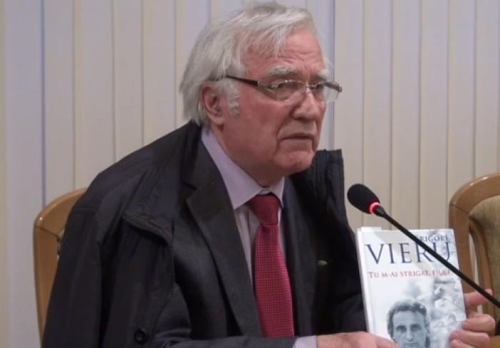 (video) Spiridon Vangheli a prezentat o culegere cu poezii de Grigore Vieru