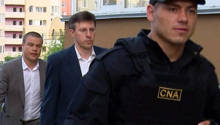 ZdG: După perfectarea contractului din dosarul parcărilor - Chirtoacă a cumpărat de la Gamrețki un apartament