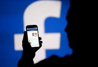 Închisoare și amenzi usturătoare, pentru părinții care pun imagini cu copiii pe Facebook