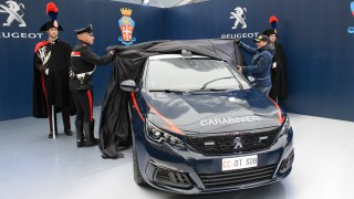 (foto) Carabinierii italieni vor asigura ordinea publică cu un nou Peugeot 308 GTi facelift