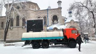 (foto) De Bobotează, 70 de tone de apă potabilă sunt livrate bisericilor din Chișinău