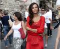 (foto) Mădălina Ghenea, la plimbare în Sicilia într-o fabuloasă rochie cu motive tradiționale