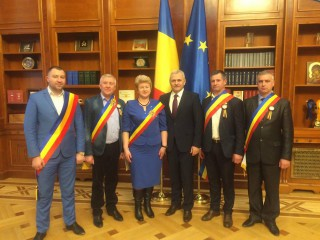 (foto) O sută de primari și consilieri locali din R. Moldova, care au votat unirea, s-au întâlnit cu liderii partidelor politice din România