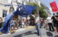 """Live text: Grecia astăzi alege între a păstra moneda euro și a """"rămâne temporar fără ea"""""""