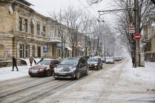 InfoTrafic: Cum se circulă în Chișinău și care sunt cele 7 trasee pe care sunt echipaje de poliție cu radare