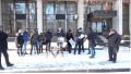 (video) Flashmob la Președinție: Tinerii PAS au adus paste pentru Dodon