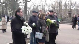 (video) PLDM a depus flori la bustul lui Mihai Eminescu