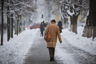 Majorări de pensii: De la 1 aprilie, cuantumul pentru limita de vârstă va constitui 1025 de lei