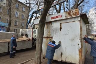Marea curățenie a Silviei Radu continuă. Tarabele din Centru și preajma Spitalului Republican, evacuate
