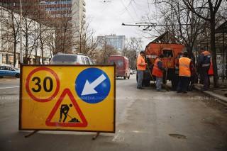 Mold-street: Au fost reziliate 7 contracte de reabilitare a drumurilor din Moldova