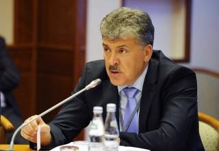 """Pavel Grudinin este convins că alegerile din Rusia nu s-au desfășurat fără ilegalități: """"Dacă se afirmă că aceste alegeri sunt absolut cinstite, îmi voi înlătura musteața"""""""