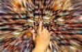 Studiu: Moldovenii, cei mai mari consumatori de media din țările PE