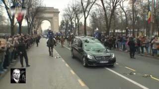 (video) Ştiai asta? Maşina specială şi nerecunoscută de toţi în care a fost transportat sicriul Regelui Mihai I
