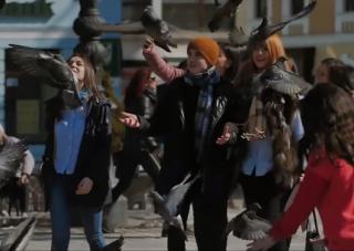 (video) Dorul de casă, anii de studenție și Unirea, reflectate într-un filmuleț de studenții basarabeni de la Brașov