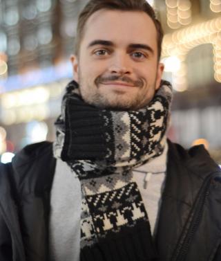(video) Emoționant: Eminescu, omagiat în metroul din Londra! Cătălin Josan solo!