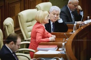 """(video) Epopeea """"trădătorilor"""" din Parlament continuă; Voronin: """"Asta să fie înțeles pentru regretatul Ghileţchi"""""""