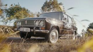 (video) Fantastic! Un moldovean deţine un VAZ-2103 pe care l-a găsit stând neatins 41 de ani