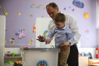 (video) Ion Ceban, la vot: Am pus ștampiluța pentru un oraș mai frumos
