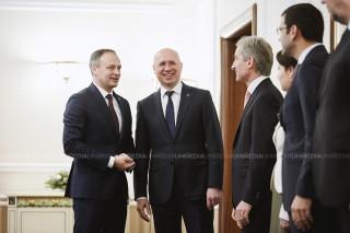 (video) Jurământul noilor miniștri. Imagini needitate, dar publicate de redacția #altfel.md