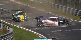 (video) O oră pe Nurburgring. Compilaţie din peste 130 de accidente care au avut loc din 2011 şi până în prezent