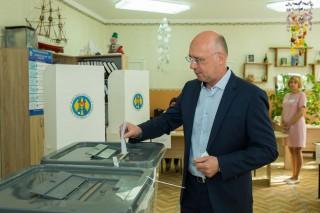 """(video) Pavel Filip a votat: """"Nu ne mai trebuiește un primar guraliv"""""""