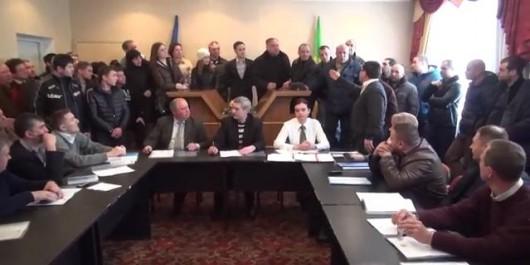 (Video) Scandal la şedinţa Consiliului din Cojuşna