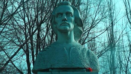 Eminescu omagiat la cei 165 de ani de la naștere