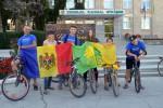 Locuitorii orașului Strășeni au mers la film pe biciclete.