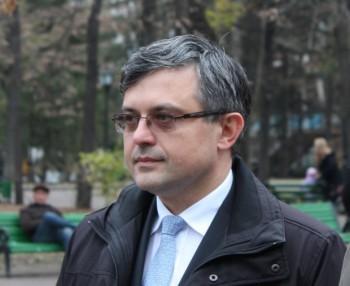 Mircea Buga în studioul UNIMEDIA